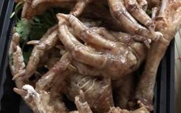 Đang cơn đói đêm, mẹ trẻ đặt mua chân gà chiên mắm, nào ngờ đụng ngay quả xương gà nguyên móng sợ hết hồn