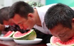 24h qua ảnh: Độc đáo cuộc thi ăn dưa hấu ở Trung Quốc