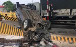 Hiện trường vụ lật xe ở trạm BOT Phú Thọ gây xôn xao