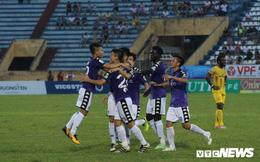 Quân bầu Hiển thống trị V-League, bóng đá Việt Nam hưởng lợi thế nào?