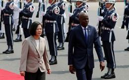 """Đài Loan đứng trước nguy cơ mất thêm đồng minh, bà Thái Anh Văn """"ôm bom"""" trong 60 ngày"""