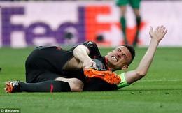 Lỡ World Cup vì chấn thương, sao Arsenal bật khóc ngay trên sân