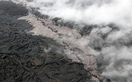 """Hơn 600 trận động đất tấn công, núi lửa Hawaii """"bừng tỉnh"""" phun tro bụi dữ dội"""
