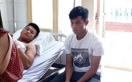 Huỳnh Tấn Tài đến thăm Văn Hào sau pha vào bóng gây chân thương kinh hoàng
