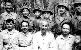 Chuyện người Tham mưu trưởng nhường ngựa cho chiến sỹ trong đêm trăng Điện Biên