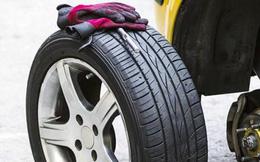 Tại sao lốp xe dự phòng luôn nhỏ hơn lốp chính?
