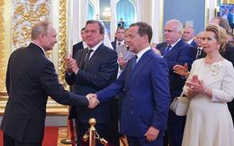 Ông Dmitri Medvedev tiếp tục giữ chức vụ Thủ tướng Nga với 374/430 phiếu thuận
