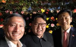 """Ông Kim Jong-un bất ngờ """"xuống phố"""" vãn cảnh đêm Singapore sau một ngày im lặng"""