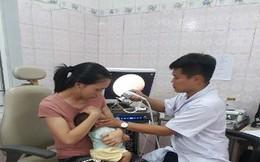 Sức khỏe bé trai bị uống cả lọ vắc - xin phòng bại liệt ra sao?