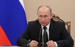 """Tổng thống Putin bất ngờ """"trảm"""" một loạt quan chức cấp cao Điện Kremlin"""