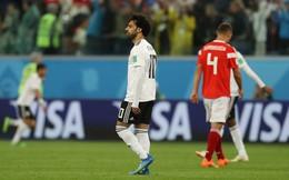 """Trừ tình huống ngã kiếm penalty, Mohamed Salah chỉ là """"chú bù nhìn"""" trên sân"""