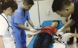Xót thương bé trai 12 tuổi đứt lìa ngón tay, do giúp bố mẹ băm rau bằng máy thái chuối