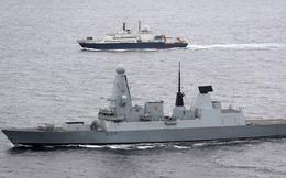 """Tại sao Hải quân Anh liên tục """"quấy nhiễu"""" tàu chiến Nga trên biển?"""