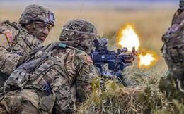 Ảnh: Binh sĩ Mỹ huấn luyện chiến đấu trong mọi điều kiện khắc nghiệt