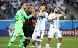 """Messi hoàn toàn câm lặng, Argentina bị """"hủy diệt"""" dưới tay Croatia"""