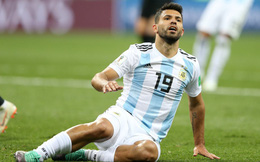 """Argentina đại loạn, Aguero móc máy thói """"nịnh Messi"""" của HLV"""