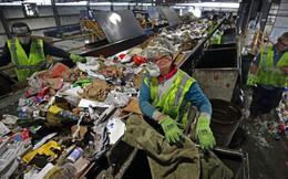 """Trung Quốc ngừng nhập khẩu rác: """"Đại hồng thủy"""" rác nhựa nhấn chìm thế giới"""