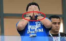 Trong trận thua của Argentina, vì sao Maradona lại đeo 2 chiếc đồng hồ giống hệt nhau?
