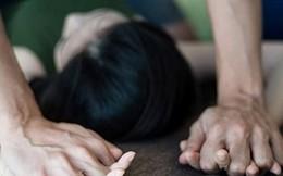 Cô gái 21 tuổi bị 'yêu râu xanh' bóp cổ, khống chế đòi cưỡng hiếp tại nhà