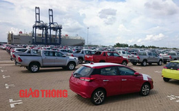 Cận cảnh Toyota Yaris bản vừa cập cảng Việt Nam, giá không đổi