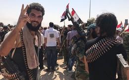 """Vì sao Mỹ """"bật đèn xanh"""" cho quân đội Syria, """"phản bội"""" phiến quân?"""
