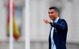 """Ronaldo đòi hỏi mức lương """"không tưởng"""" để ở lại Real Madrid"""