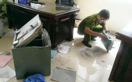 """Trộm đột nhập cửa hàng """"cuỗm"""" hơn 300 điện thoại trị giá 1 tỷ đồng"""