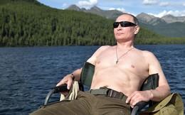 """Tổng thống Putin thổ lộ về những bức ảnh """"bán nuy"""" gây bão"""