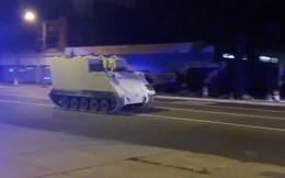 """Lính Vệ binh Quốc gia Mỹ đánh cắp xe thiết giáp """"đi dạo phố"""" bị cảnh sát tóm gọn!"""
