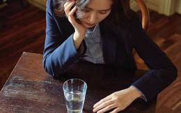 Quyết định sau cùng của cô vợ xem người giúp việc như em gái và nhận được sự phản bội đau đớn
