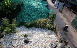 24h qua ảnh: Khung cảnh tại làng chuyên tái chế rác ở Hà Nội