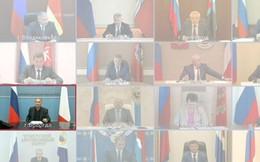 Tới muộn trong buổi giao lưu trực tuyến với Tổng thống Putin, thống đốc một tỉnh dùng nhân viên làm 'thế thân'