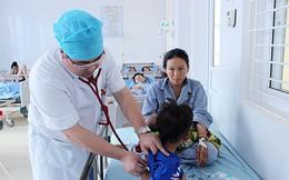 Sơn La: Mẹ ăn nấm độc, con một tháng tuổi bị ngộ độc theo