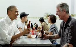 """Ông Obama: """"Ghế nhựa thấp, bún tuy rẻ mà ngon và bia Hà Nội mát lạnh. Tôi sẽ nhớ về Tony như thế!"""""""
