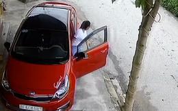 Xuất hiện thêm chị gái cẩn thận nhất MXH, nắn nót 8 phút chỉ để lùi xe từ hiên xuống đường