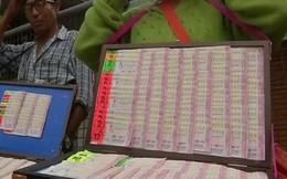 Người Thái Lan mua xổ số theo vụ đội bóng nhí mắc kẹt