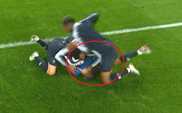 World Cup 2018: Ăn mừng quá lố, cầu thủ Pháp suýt gây chấn thương cho đồng đội