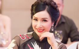 """Hoa hậu đầu tiên của Việt Nam: """"Tôi có một người chồng rất lạ"""""""