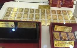 """Giá vàng SJC """"bất động"""" bất chấp vàng thế giới xuống đáy 1 năm"""