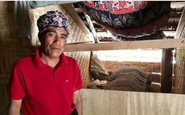 Ngôi làng 'sống chung với người chết' trong nhà