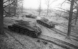 Cỗ xe tăng bất tử: Chiếm Berlin, tham chiến Triều Tiên, sát cánh cùng T-90 diệt IS ở Syria