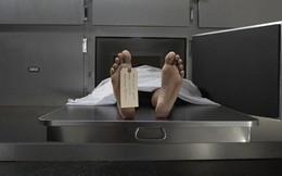 Cô gái sống lại trong nhà xác sau tai nạn xe hơi kinh hoàng