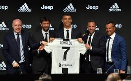 Ronaldo gửi thông điệp đặc biệt tới Messi trong ngày cập bến Juventus