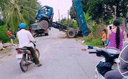Bức ảnh chụp vụ tai nạn nhưng dân mạng lại chú ý đến hình ảnh thú vị phản chiếu từ gương xe
