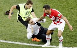 Thành viên ban nhạc Nga phá đám trận chung kết World Cup lĩnh án tù