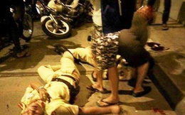 Nhóm thanh niên đánh, chửi bới CSGT