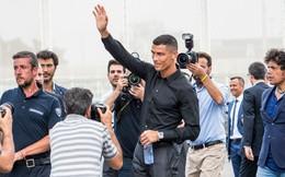 """Cristiano Ronaldo gây sốc với khoản """"tiền tip"""" cho nhân viên lên đến 31.500 USD"""