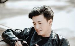 """Giữa scandal bị đàn chị """"dằn mặt"""" và ồn ào lộ ảnh nóng, Huỳnh Anh để lộ bạn gái mới"""