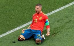 """Sụp đổ sau thất bại, Ramos còn lĩnh đủ """"gạch đá"""" vì màn ăn mừng lố bịch"""