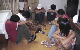 5 đôi nam nữ phê ma túy trong căn hộ chung cư